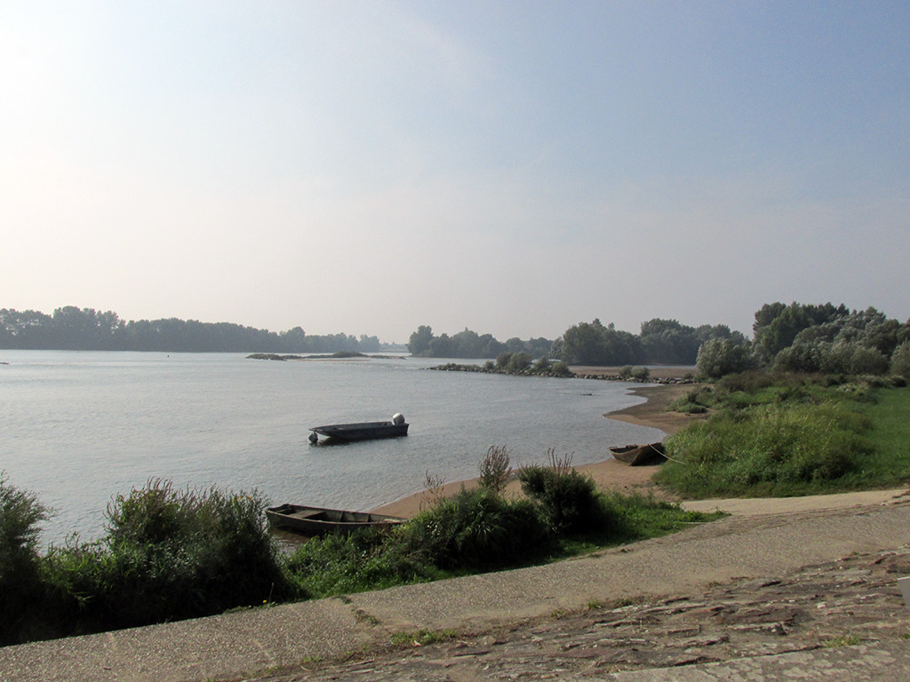 Bouchemaine_St Brevin_France-gravel route-Loire River