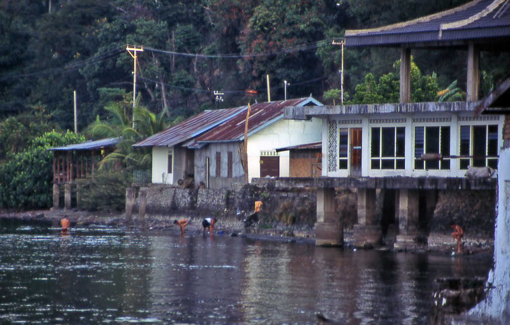 Bicycling Sumatra Lakes and rivers serve for bathing, dish washing and toilet in remote areas