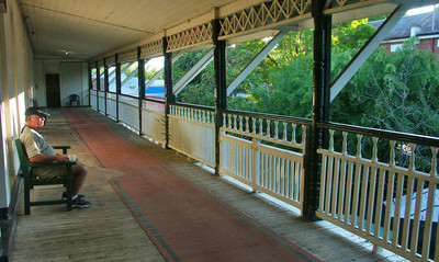 Bicycling Southern Australia-Covered porches are common
