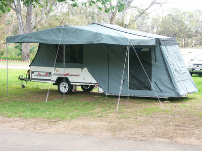 Bicycling Southern Australia-camper vehicles