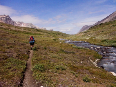 Brazeau Lake Loop-Ascending to Jonas Pass
