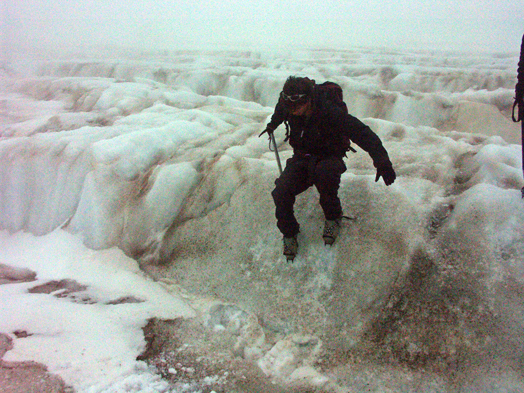 Descending required keeping the crampons flat on the snow