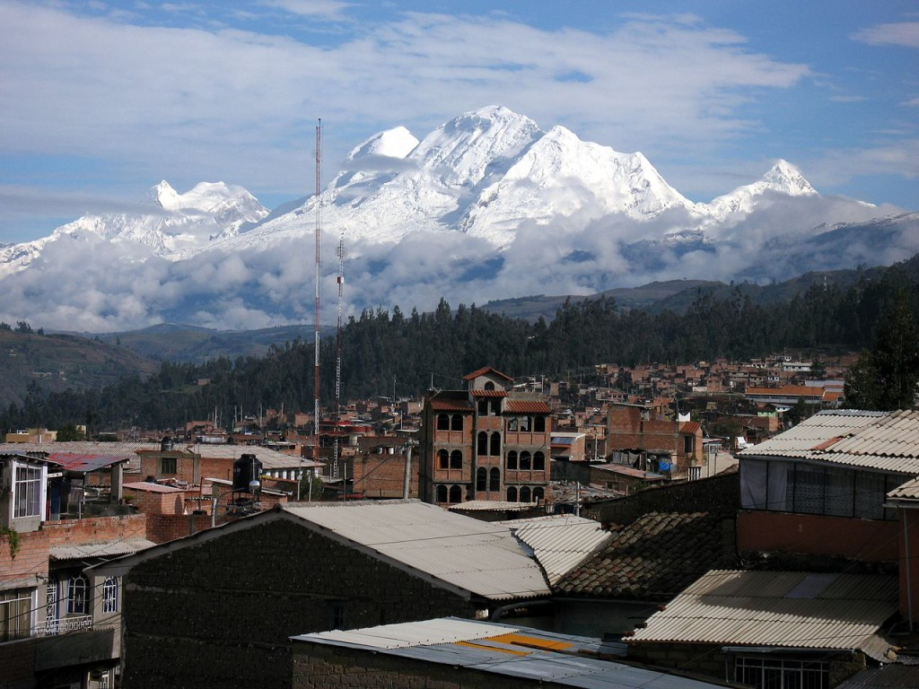 -Huascaran_Huandoy_Chopicalqui_seen_from_Huaraz