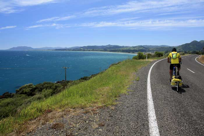 Bicycling North Island New Zealand-On route to Te Araroa