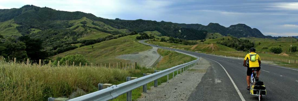 Bicycling North Island New Zealand-On route to Tokomaru Bay