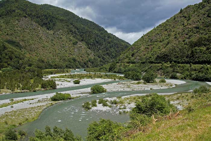 Bicycling South Island New Zealand-Upper Buller River