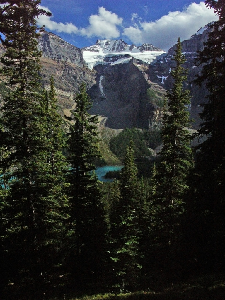 Sentinel-Pass Trail-Glimpse of Moraine Lake