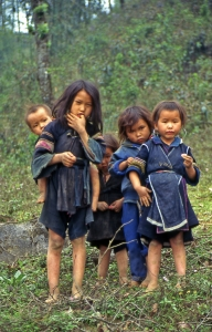 Hiking Adventures-H'mong children-Sa Pa Vietnam