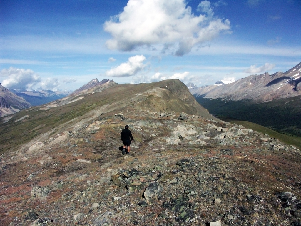 Brazeau Lake Loop-hiking out Jonas Shoulder
